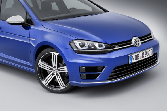 VW-Golf-R-Variant-007