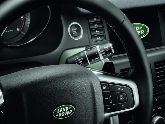 LR-Discovery-Sport-29