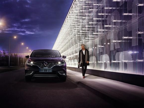 Renault-Espace-Initiale-Paris-17