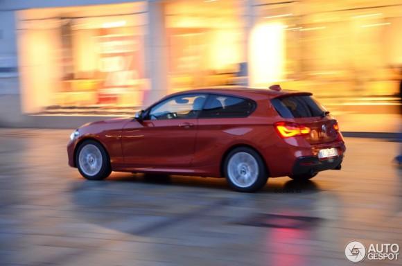 2015-BMW-M135i-11