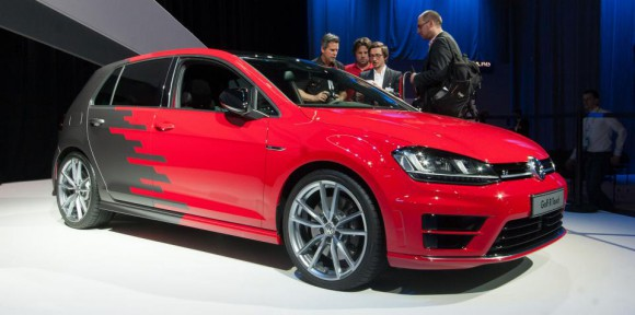 xvolkswagen-golf-r-touch.jpg.pagespeed.ic.W7Fet5ptHPL66Zn-sY-B