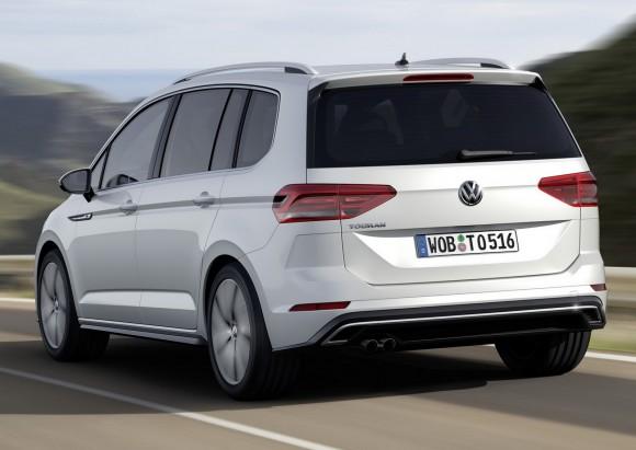 2015-VW-Touran-15
