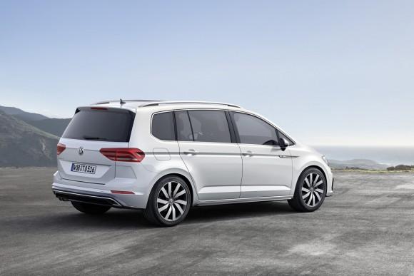 2015-VW-Touran-9