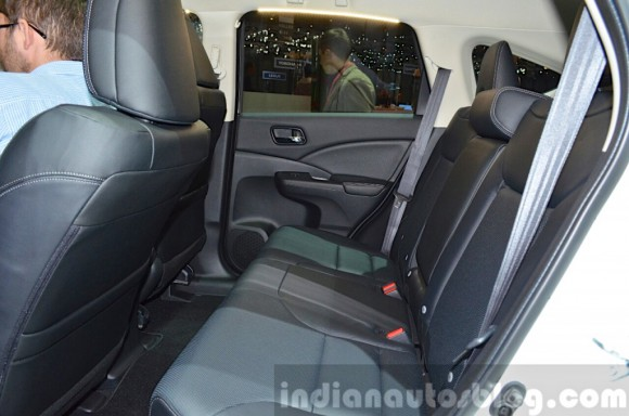 2015-Honda-CR-V-rear-seat-view-at-2015-Geneva-Motor-Show-1024x678
