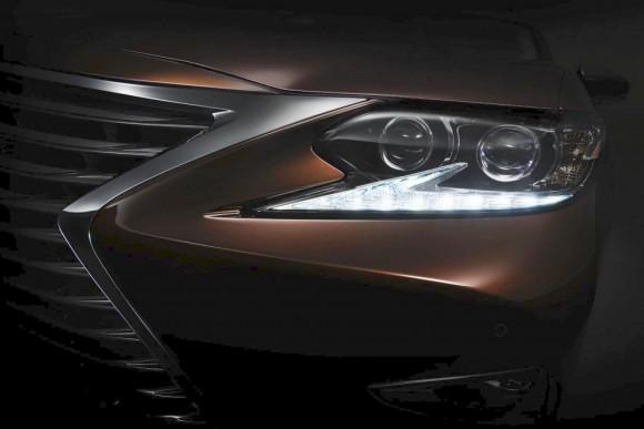 2016-Lexus-ES-Facelift-front-teaser-1024x684