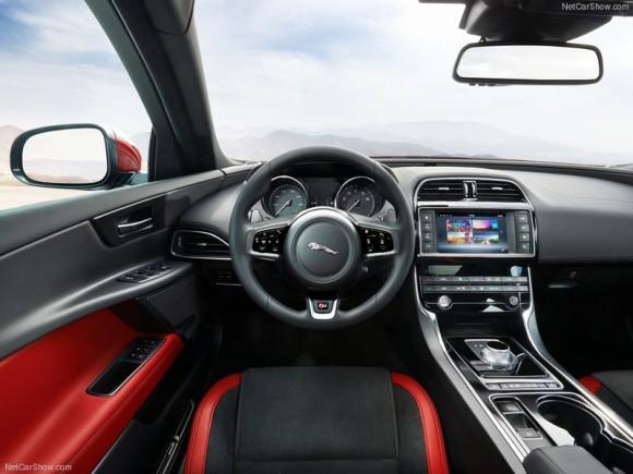 Jaguar-XE_S_2016_800x600_wallpaper_33