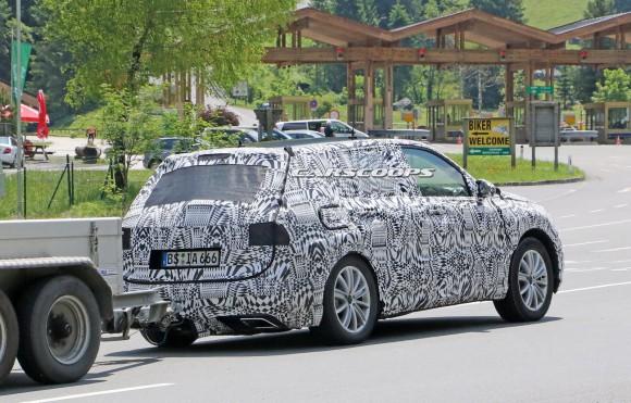 2016-VW-Tiguan-12