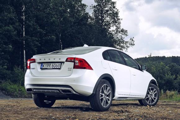 Fahrbericht-Volvo-S60-Cross-Country-1200x800-8318ad52e073aa83