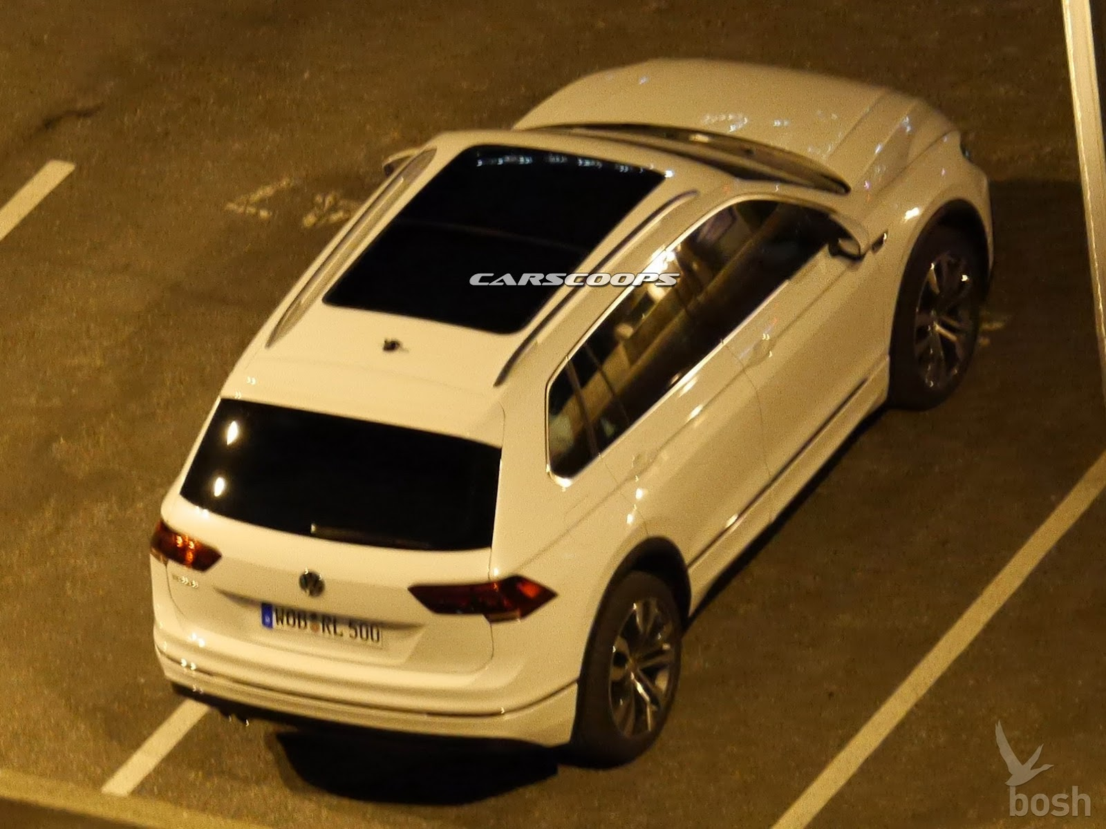 2017-VW-Tiguan-Carscoops4