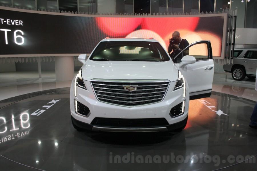 Cadillac-XT5-front-at-DIMS-2015-900x600