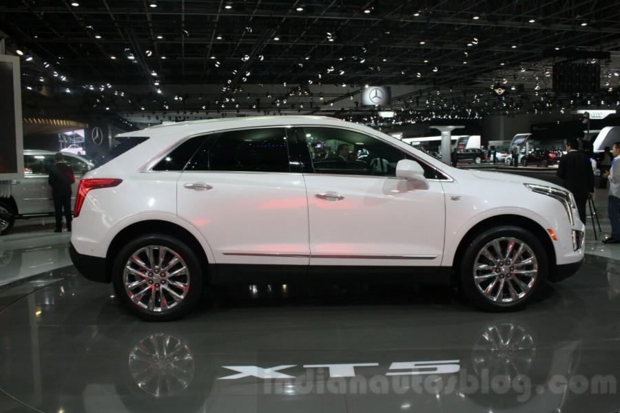 Cadillac-XT5-side-at-DIMS-2015-900x600