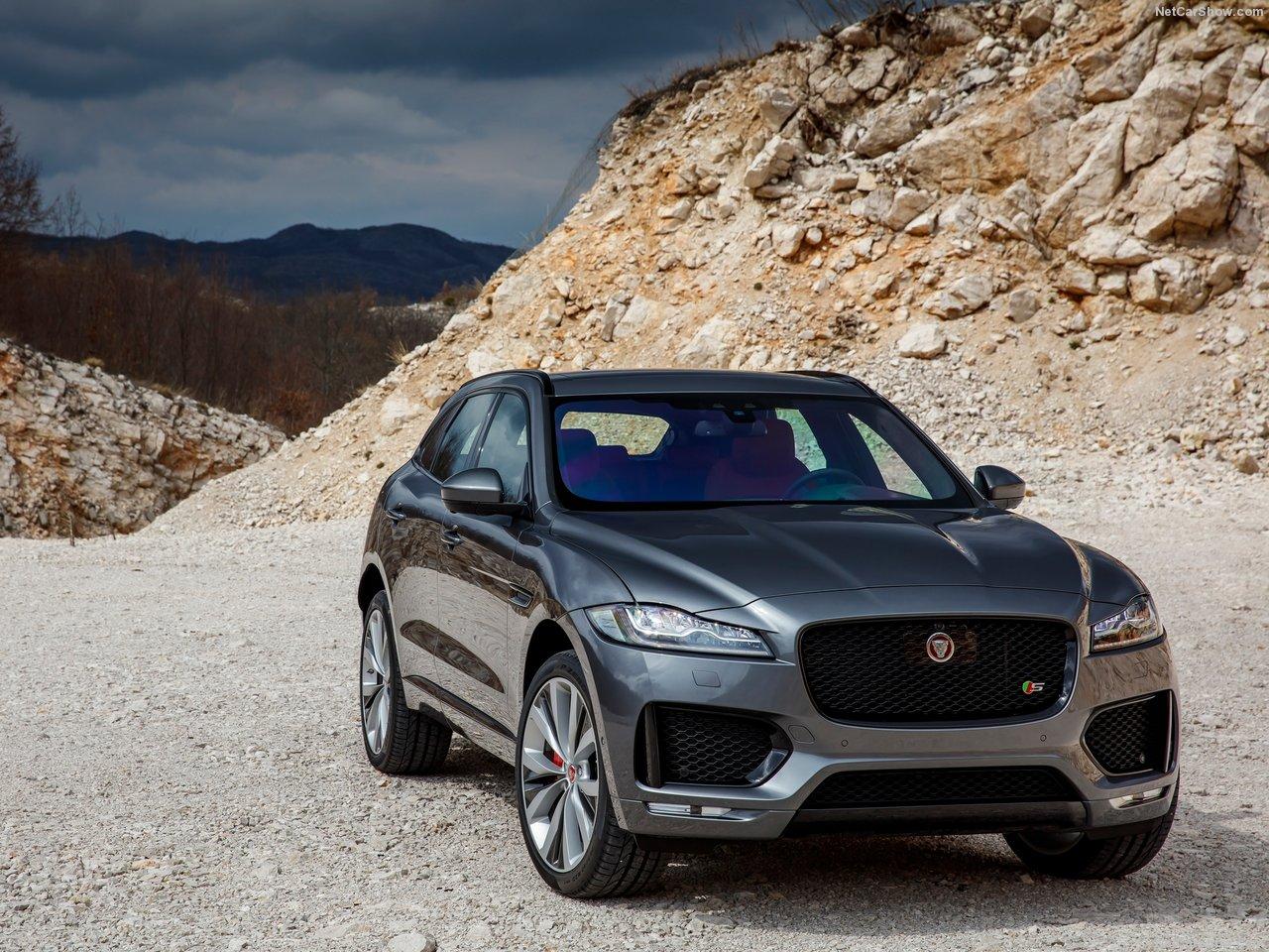 Jaguar-F-Pace_S-2017-1280-04