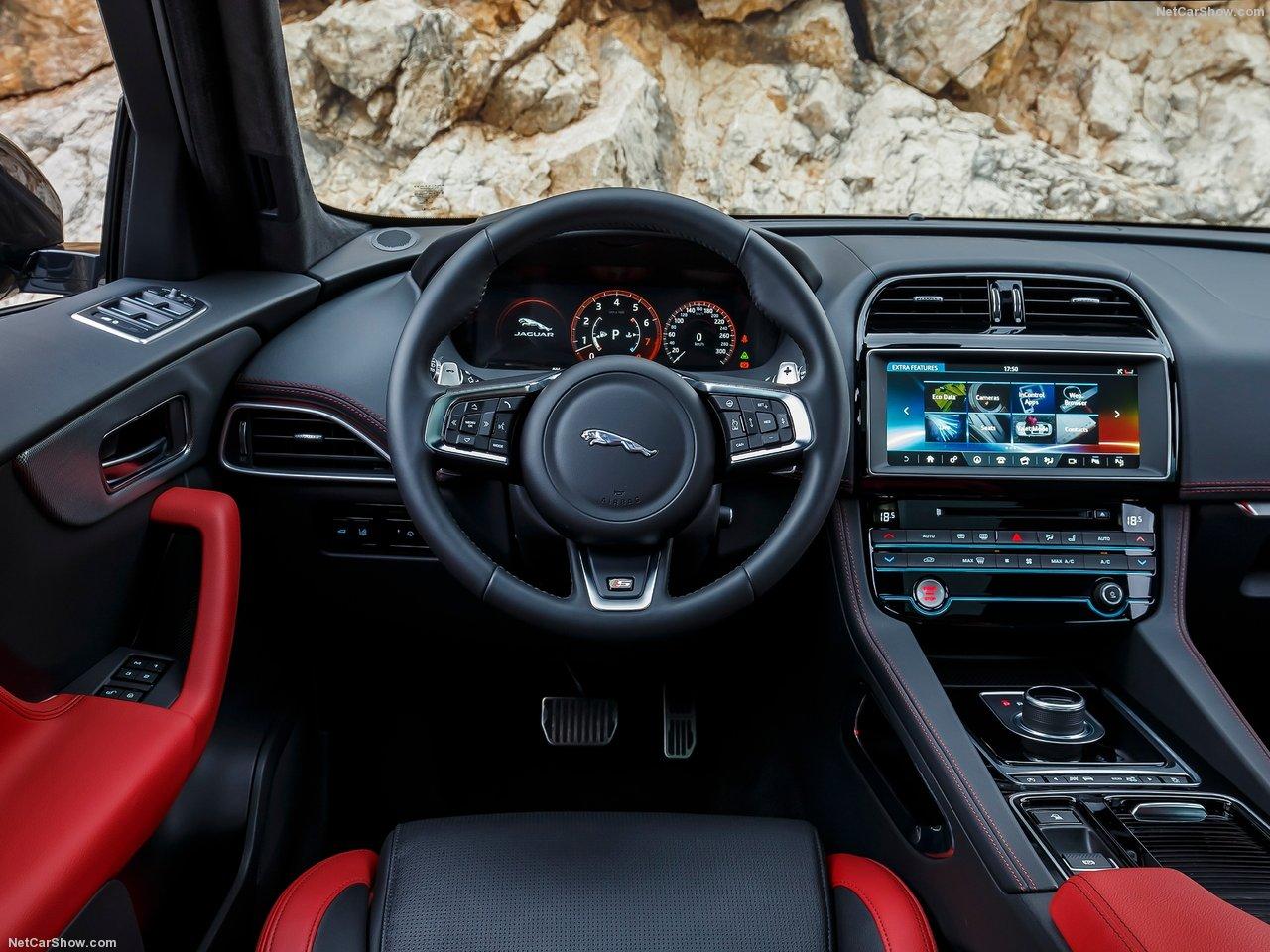 Jaguar-F-Pace_S-2017-1280-70
