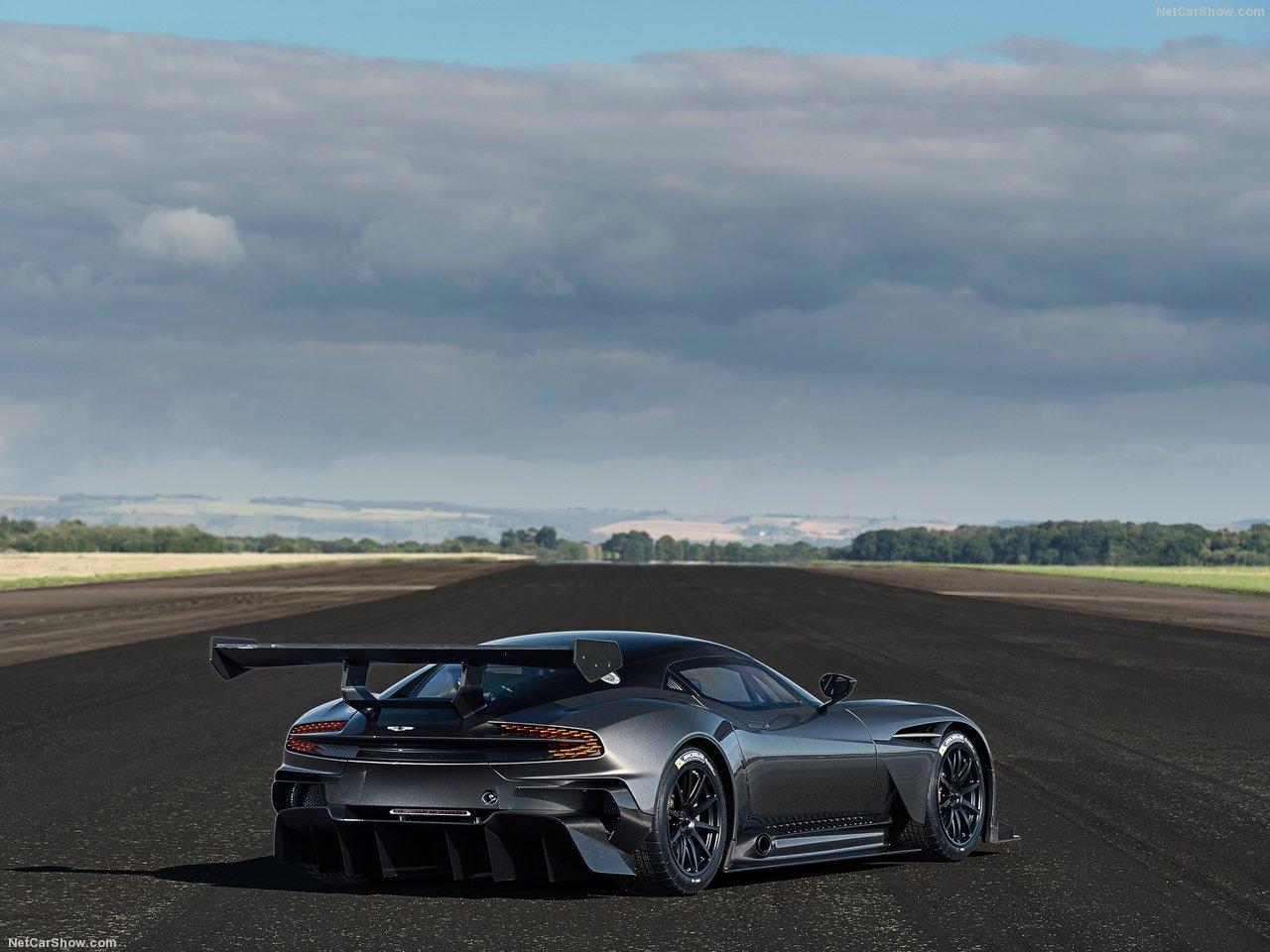 Aston_Martin-Vulcan_2016_1280x960_wallpaper_08