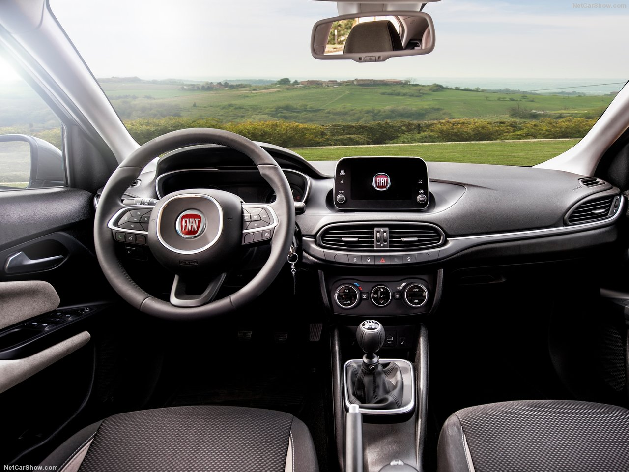 Fiat-Tipo_5-door-2017-1280-0e