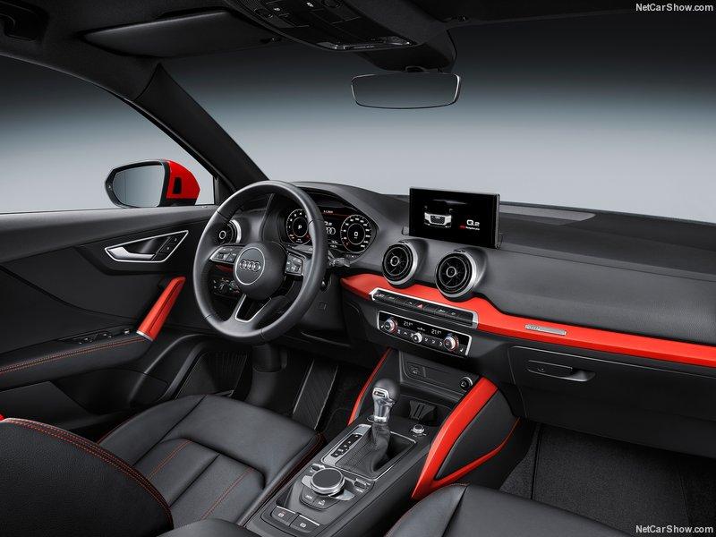 Audi-Q2_2017_800x600_wallpaper_3e