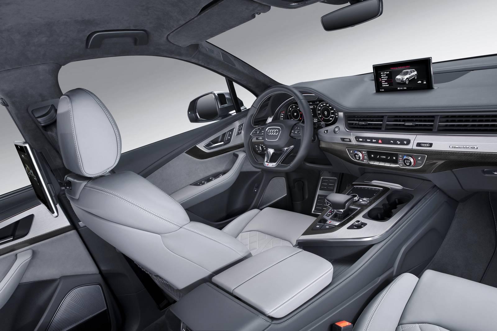 Audi-SQ7-24