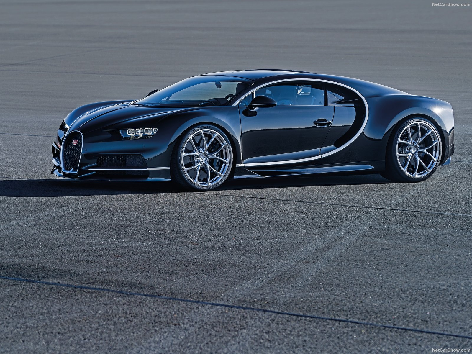 Bugatti-Chiron_2017_1600x1200_wallpaper_01