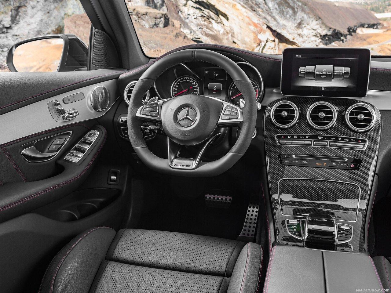 Mercedes-Benz-GLC43_AMG_4Matic_2017_1280x960_wallpaper_17