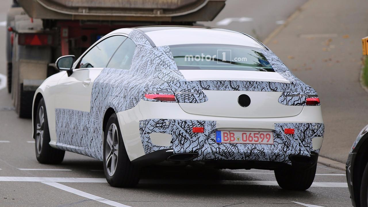 2018-mercedes-e-class-coupe-spy-photo-4