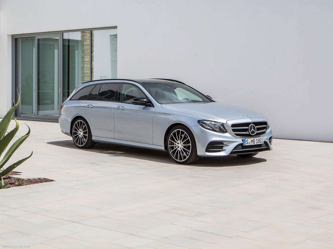 Mercedes-Benz-E-Class_Estate-2017-1280-04
