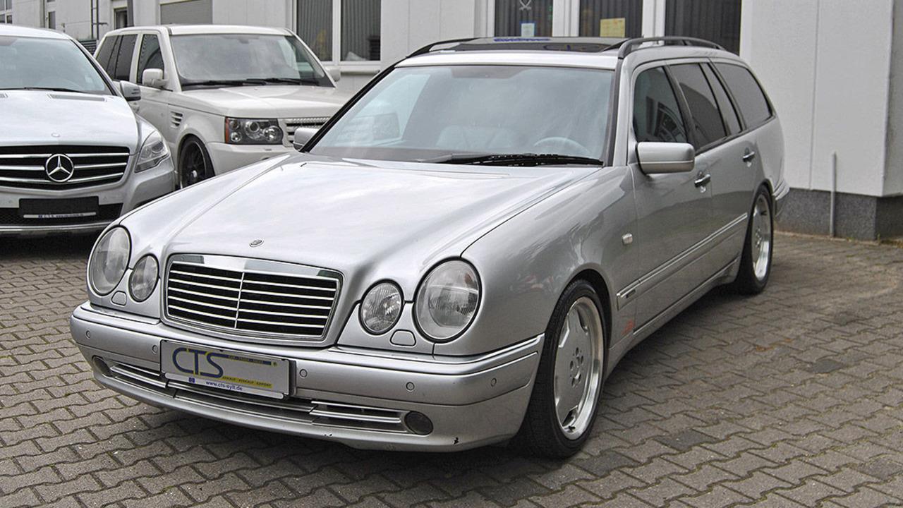 1998-mercedes-e55-amg-wagon-ex-michael-schumaher (6)