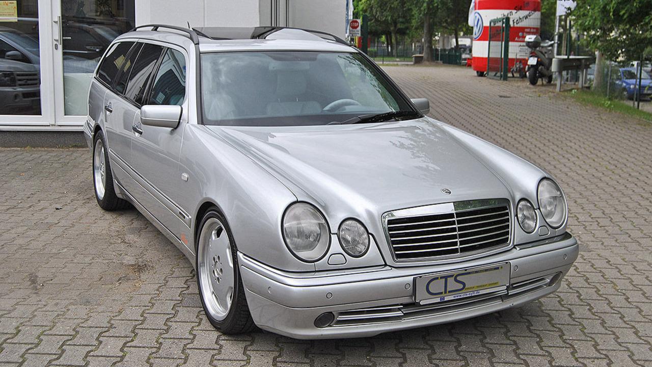 1998-mercedes-e55-amg-wagon-ex-michael-schumaher (7)