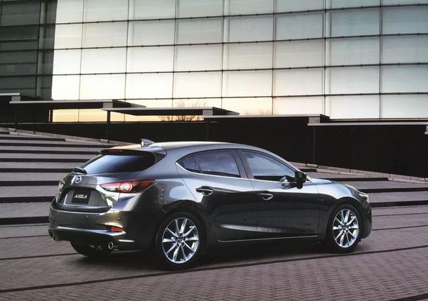 2016-Mazda-Axela-2016-Mazda3-Sport02