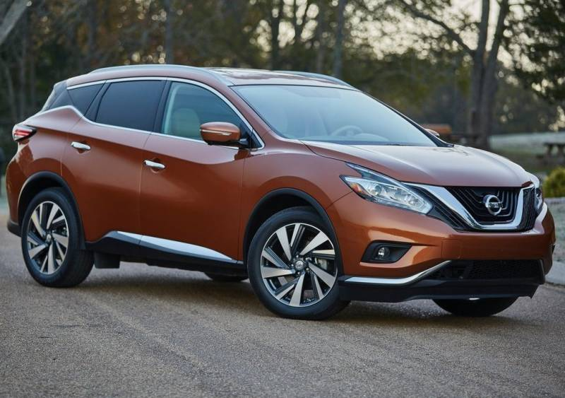 2017-Nissan-Murano-side-view-orange-color-grille-headlights-and-alloy-wheels