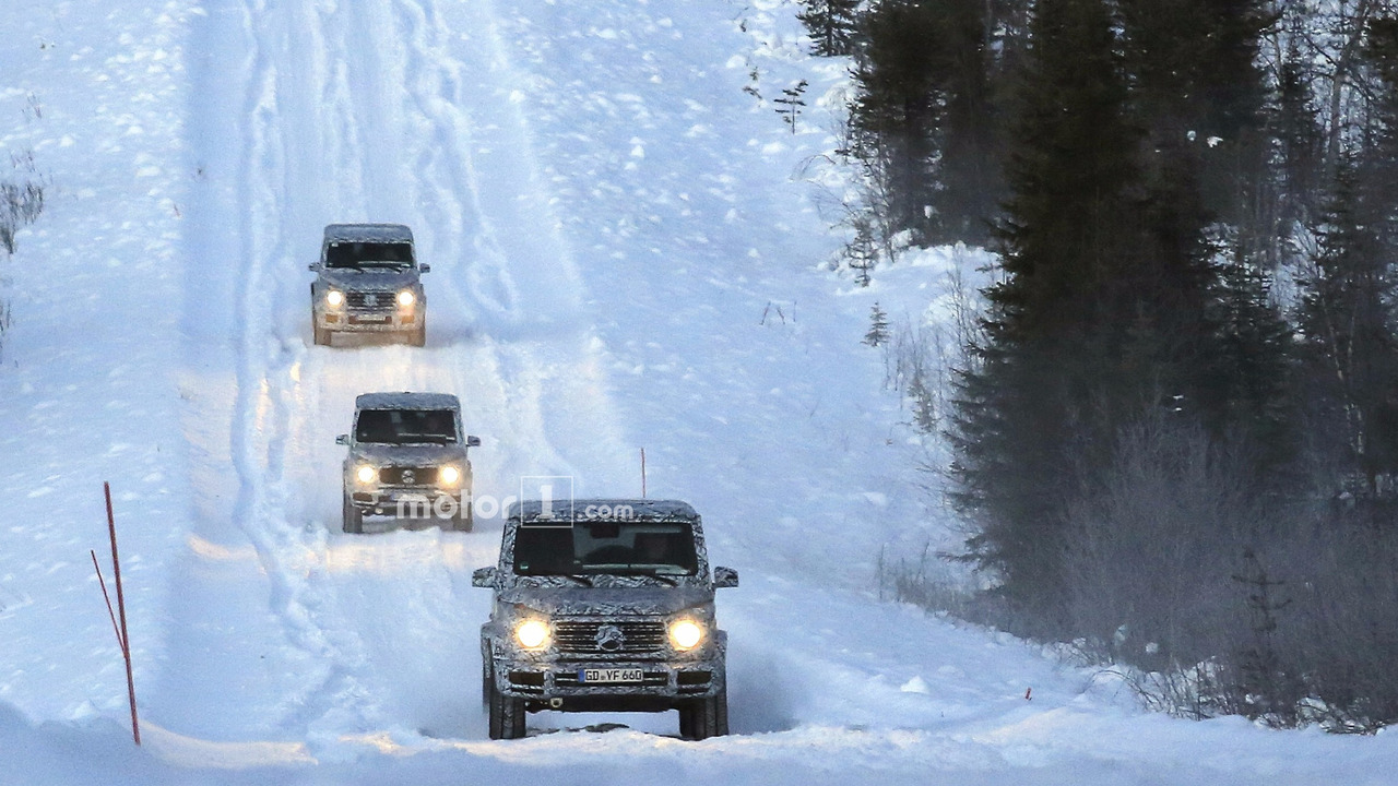 2018-mercedes-g-class-and-g63-spy-photo-4